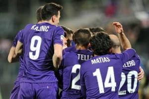 gioia viola dopo gol Alonso