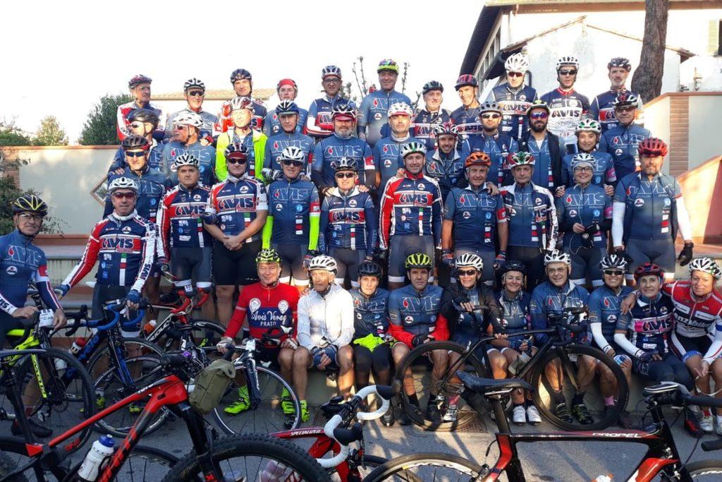 Quasi 400 ciclisti al raduno benefico per il Meyer