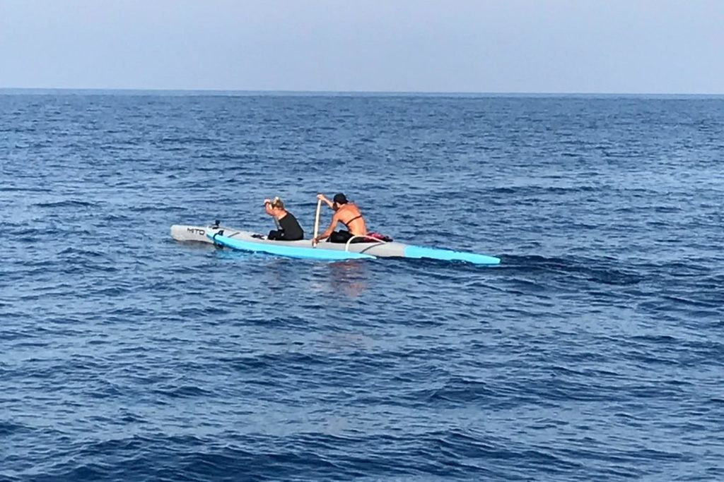 A Capraia in canoa Polinesiana