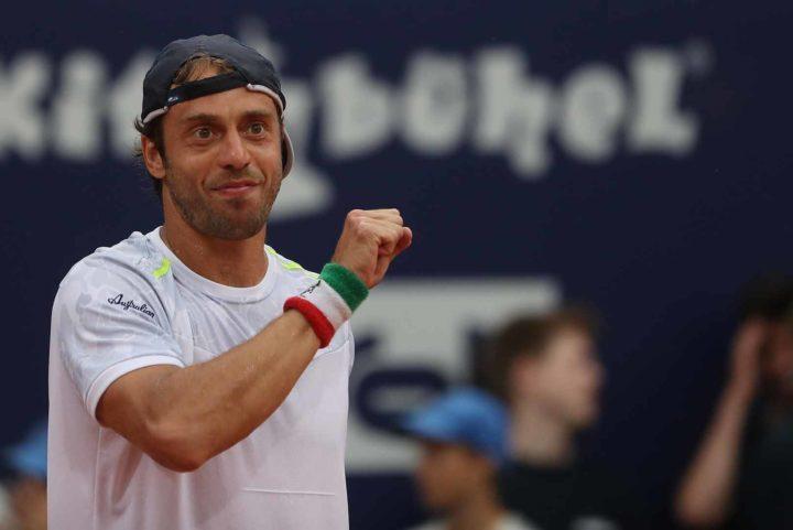 TENNIS- ATP Umago: Travaglia vince il derby, che cuore Lorenzi! A San Benedetto avanti Zeppieri e…