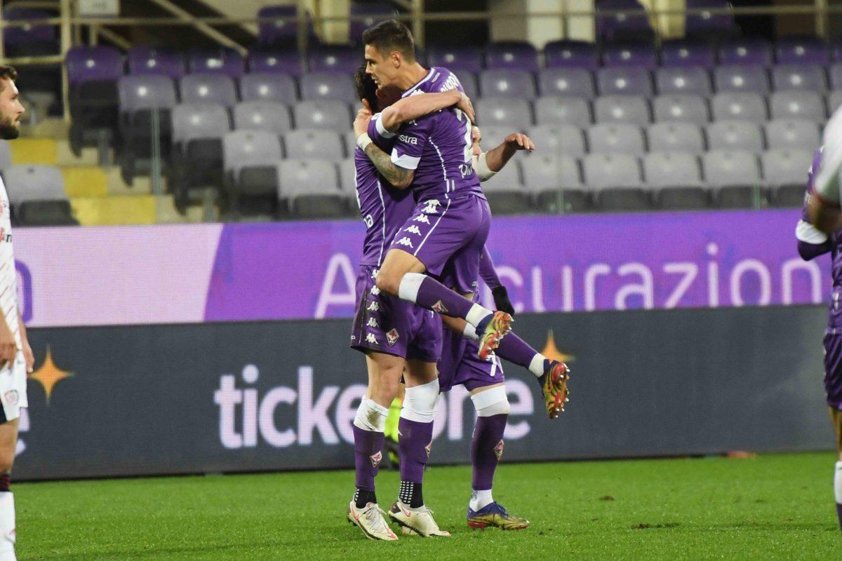 La Fiorentina riparte da qui: Vlahovic supera il Cagliari, Dragowski eroico. Bentornato Callejon
