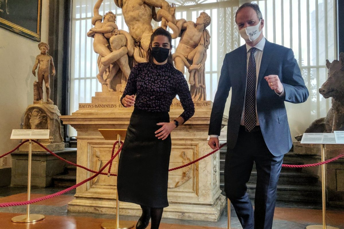 Tessel Middag in visita agli Uffizi