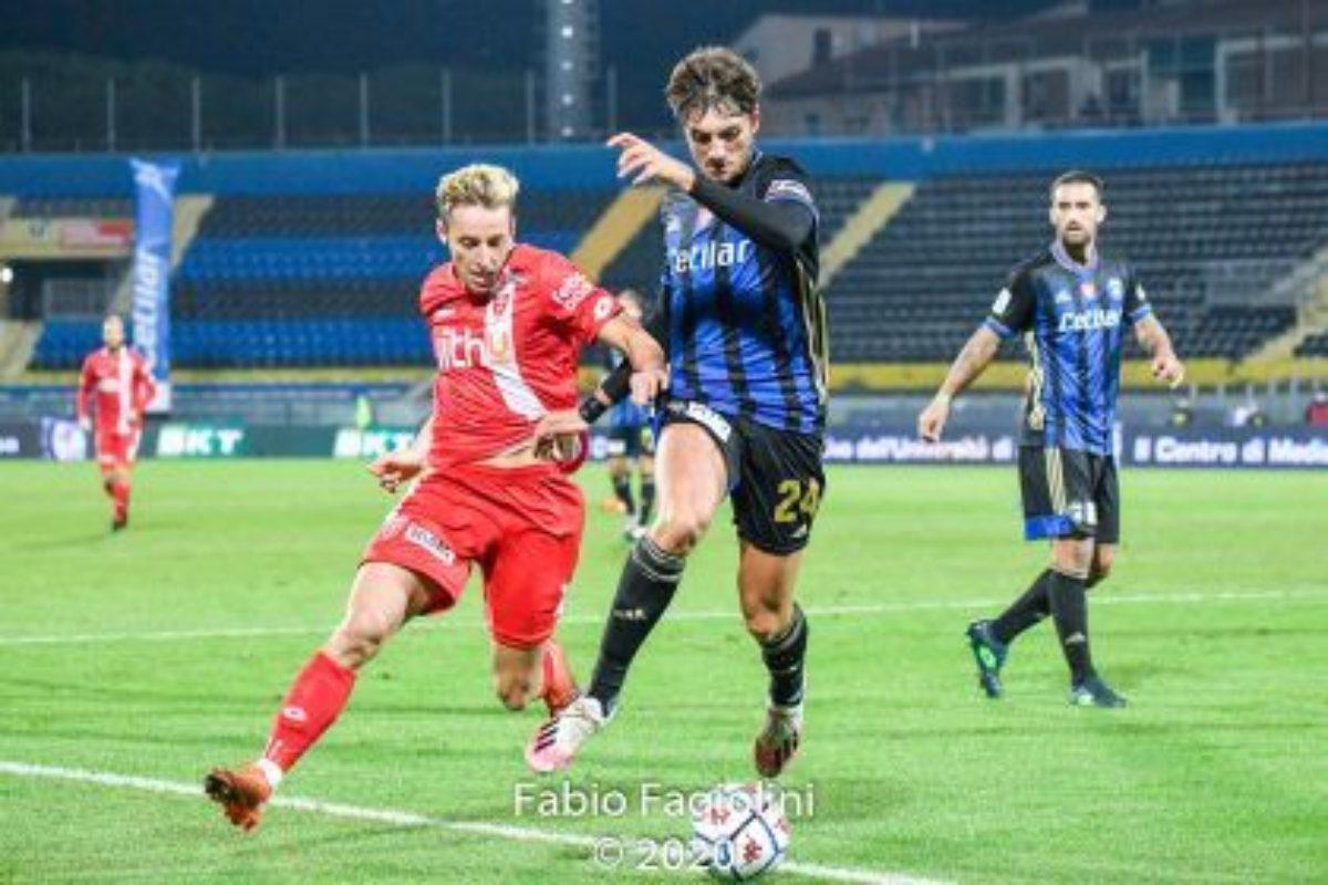 """Calcio: Serie B: stupefacente risultato del Pisa nell'anticipo del Venerdi andando ad espugnare l'U-Power Stadium"""": Monza Ko 2-0; decide """"bum..bum..Palombi"""
