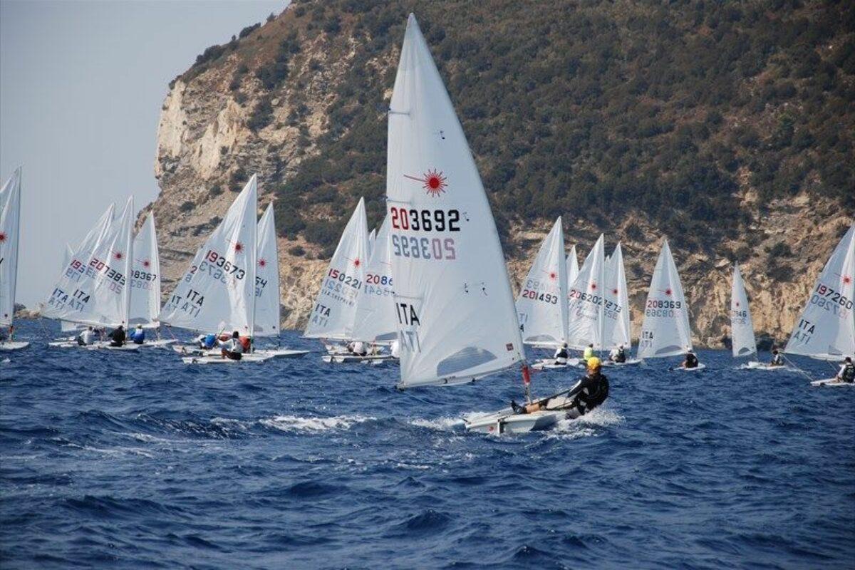 Vela: a Marina di Campo il Campionato Italiano (3° Prova) LASER ILCA 4-6-7…in attesa delle classifiche finali