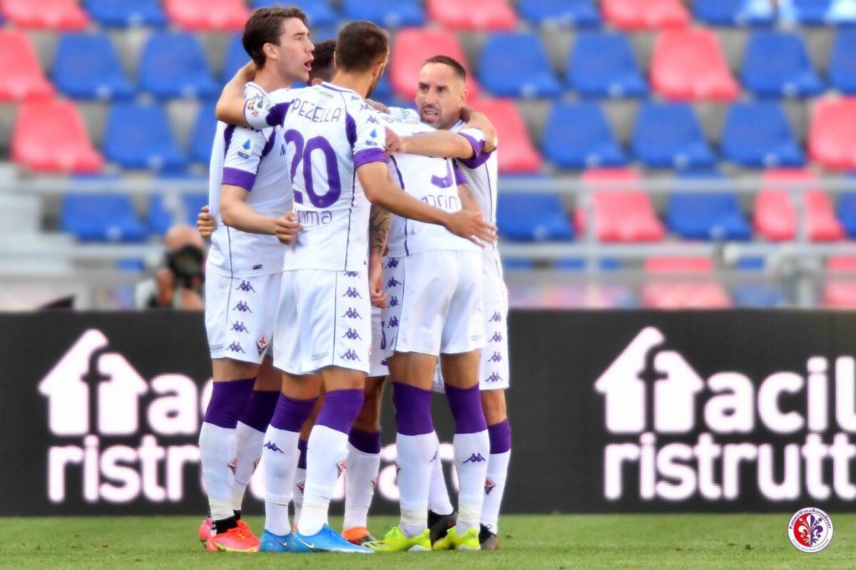Fiorentina tre volte in vantaggio poi sempre ripresa. Difesa da horror, Vlahovic sale a quota 19 gol