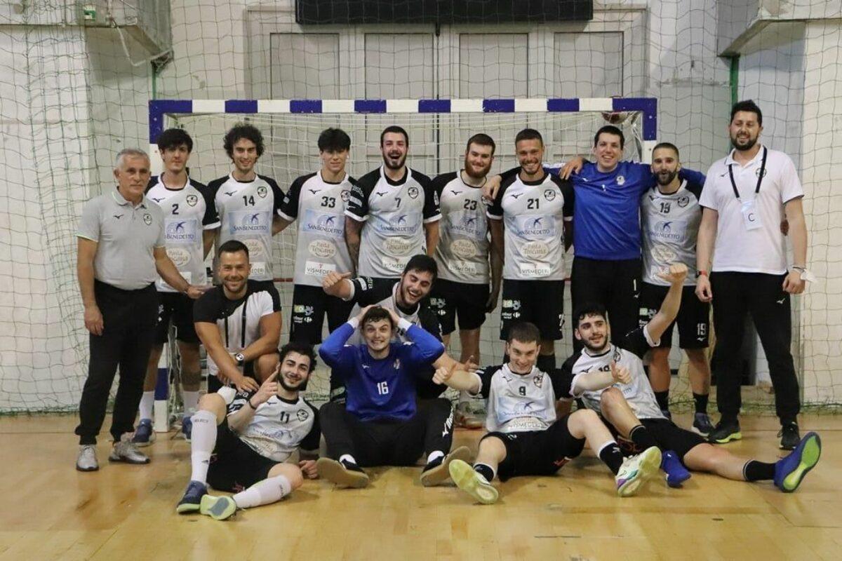 Pallamano: Per la Ego Siena ultimo match interno e della stagione  contro Riva Molteno Finale vincente 34-32 (Pt 17-15)