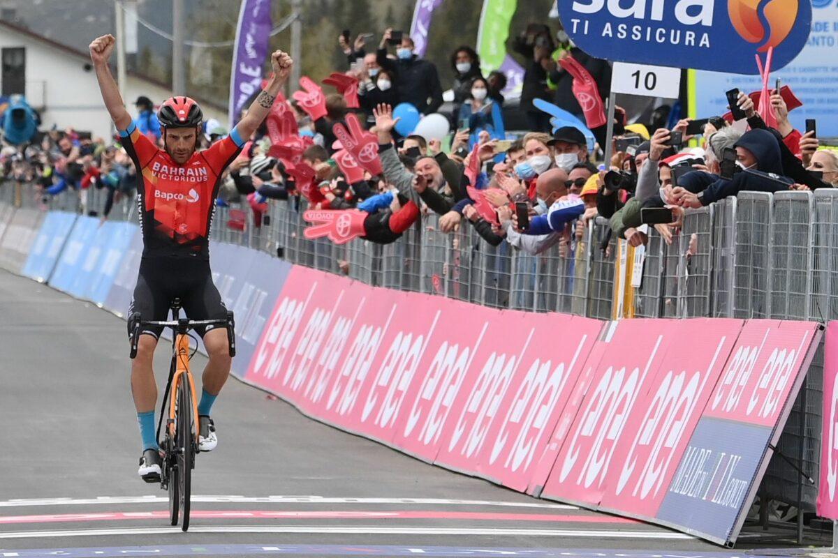 Damiano Caruso, secondo al Giro, balza in testa al Giglio D'Oro
