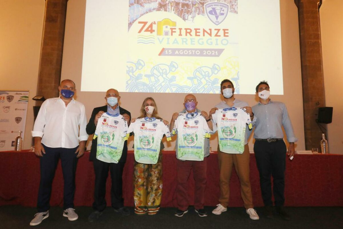 Dopo un anno di stop torna la Firenze-Viareggio: la presentazione in Palazzo Vecchio