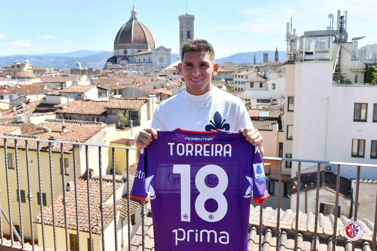 Presentazione di Lucas Torreira. Le foto:
