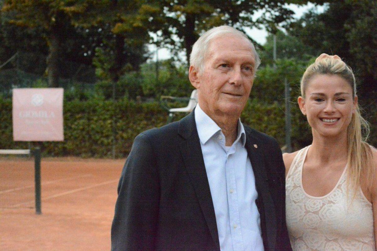 """Tennis: La bella serata al CT Firenze con Camila Giorgi e la """"sua Giomila""""."""