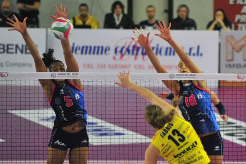 SAVINO DEL BENE SCANDICCI VS IMOCO VOLLEY CONEGLIANO 01